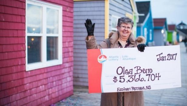 Olga Beno ganadora de lotería Canadiense