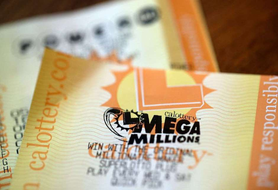 Once oficinistas ganadores de lotería