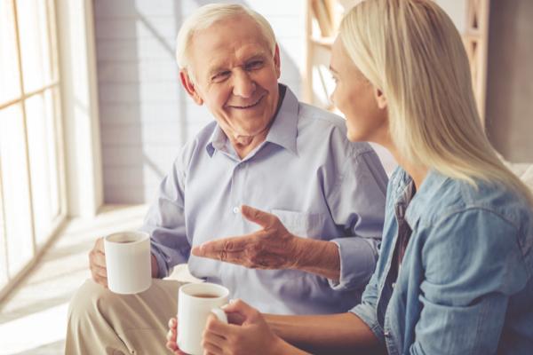 Abuelo regala premio de lotería a su nieta